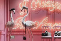Mannequin + Neon – What the big brands love recently